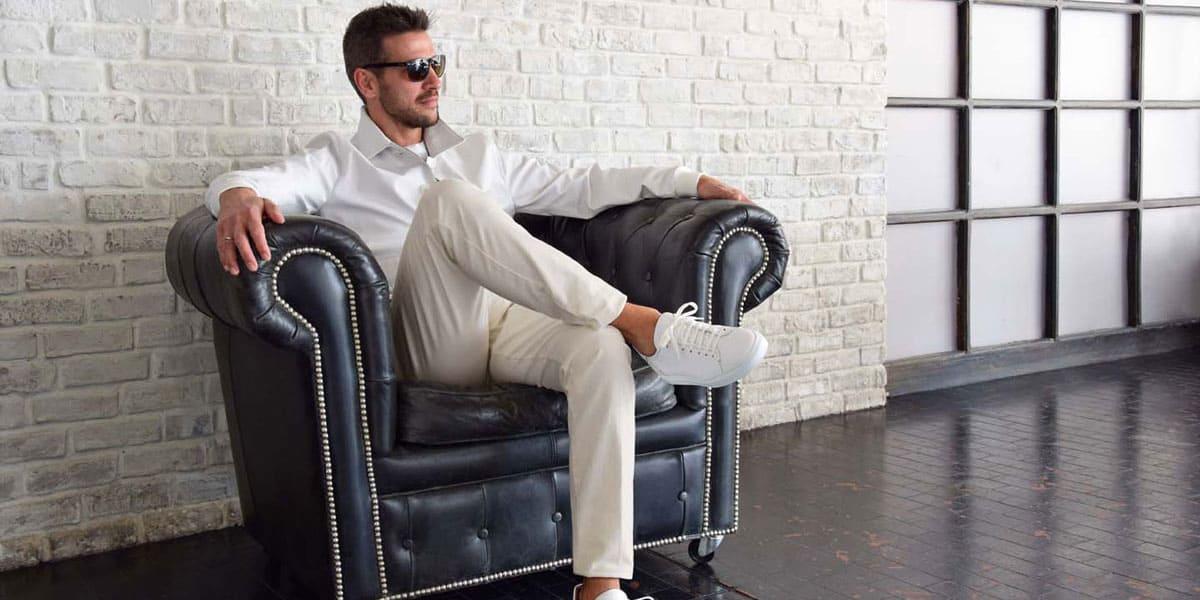 Le nuove tendenze della moda 2021: capi eleganti e scarpe sportive