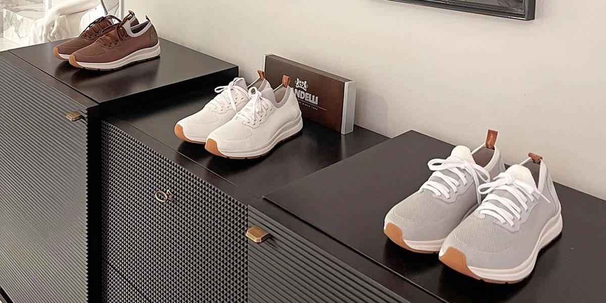 La sneaker, scarpa sportiva ed elegante adatta per sport, viaggi e lavoro